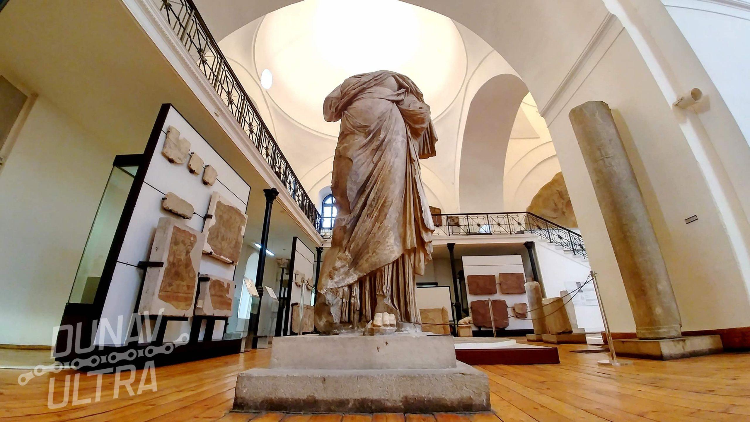 Статуя на Фортуна
